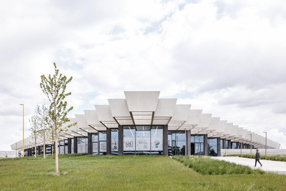 Halftime, Adidas' hovedkontor i den tyske by Herzogenaurach, er tegnet af Cobe. I projektet var det afgørende, at byggeriet blev fleksibelt.
