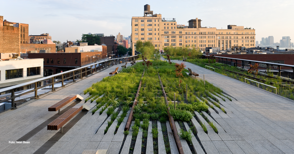 Charles Renfro is speaking at Building Green Copenhagen. Hear more about the High Line